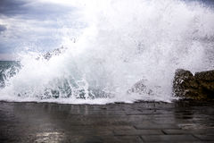 Cinque Terre, vagues images stock