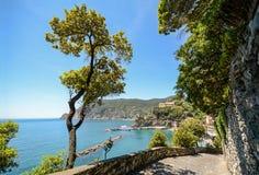Cinque Terre: Wycieczkować ślad wioska Monterosso al klacz, Liguria Włochy Obrazy Royalty Free