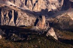 Cinque Torri,意大利,白云岩山 免版税库存照片