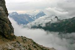 Cinque Torri en nubes después de la lluvia Fotos de archivo