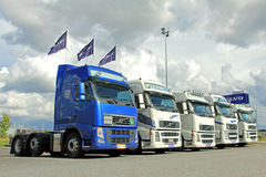 Cinque trattori del camion di Volvo Fotografia Stock Libera da Diritti