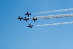 Cinque velivoli nel cielo Fotografia Stock Libera da Diritti