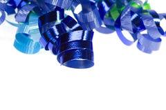 Cinta azul rizada aislada Imagenes de archivo