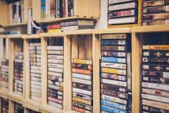 Cinta de casete retra del fondo blanco delantero 80s Fotografía de archivo libre de regalías