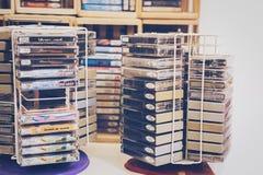 Cinta de casete retra del fondo blanco delantero 80s Fotos de archivo