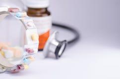 Cinta de la medicina Imagenes de archivo