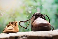 Cinta de zapatos de la forma del corazón foto de archivo