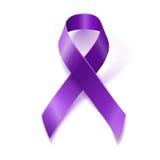 Cinta púrpura de la conciencia aislada en blanco Fotografía de archivo libre de regalías