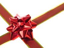 Cinta y arqueamiento rojos del regalo Imagen de archivo libre de regalías