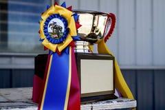 Cinta y trofeo de la demostración del caballo Fotografía de archivo