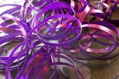 Cintas metálicas púrpuras Imágenes de archivo libres de regalías