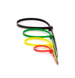 Cintas plásticas de nylon multicoloridos no fundo branco Foto de Stock Royalty Free
