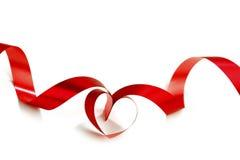 Cintas rojas del corazón Foto de archivo