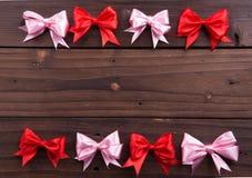 Cintas rojas y rosadas Fotos de archivo libres de regalías