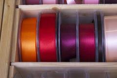 Cintas y cinta coloridas Imágenes de archivo libres de regalías