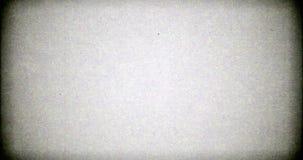 Cintilação realística branca, sinal análogo da tevê do vintage com interferência má, fundo estático do ruído, folha de prova vídeos de arquivo