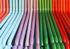Cintres colorés image stock