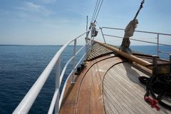 Cintrez le bateau photos stock