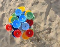 Cinzeiros coloridos da praia Fotografia de Stock