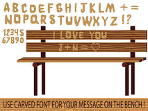 Cinzelado na pia batismal de madeira   Imagens de Stock Royalty Free
