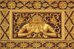 Cinzeladura de madeira do estilo tailandês. Imagem de Stock