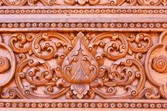 Cinzeladura de madeira do estilo tailandês tradicional Fotos de Stock