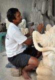 Cinzeladura de pedra, Batubulan Bali Indonésia Foto de Stock Royalty Free