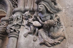 Cinzeladura de pedra em Lonja de la Seda, Valência, Espanha imagens de stock