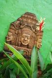 Cinzeladura de pedra tailandesa tradicional imagem de stock