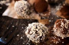 Cioccolato bianco e scuro fotografie stock