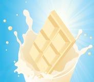 Cioccolato bianco nella spruzzata del latte Immagine Stock Libera da Diritti