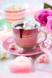 Cioccolato caldo e caramella gommosa e molle Fotografie Stock