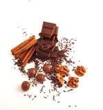 Cioccolato, cannella e noci Fotografie Stock Libere da Diritti