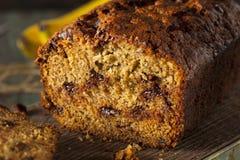 Cioccolato casalingo Chip Banana Bread fotografia stock libera da diritti