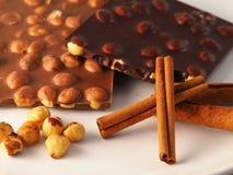 Cioccolato con gli ingredienti Immagini Stock Libere da Diritti