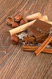 Cioccolato, dadi e spezia Fotografia Stock