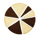 Cioccolato e fette bianche dei pan di Spagna isolati su bianco Immagine Stock