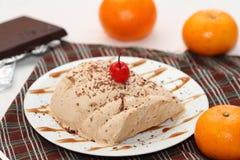 Cioccolato e gelato arancio di semifredo Immagine Stock