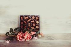 Cioccolato e rose Fotografia Stock Libera da Diritti