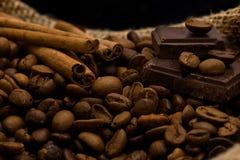 Cioccolato e spezie fotografia stock libera da diritti