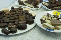 Cioccolato fatto a mano per una differenza deliziosa molto Fotografie Stock Libere da Diritti