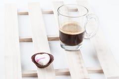 Cioccolato isolato del cuore Fotografie Stock