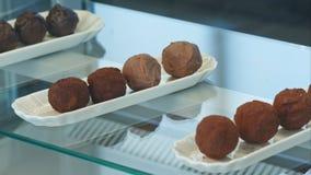 Cioccolato rotondo della caramella dolce differente nel negozio Immagini Stock Libere da Diritti