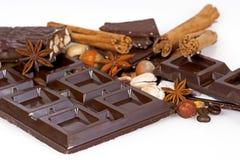 Cioccolato scuro con le noci Fotografie Stock