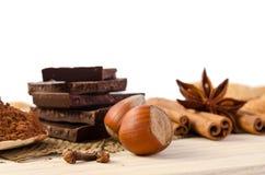 Cioccolato, spezie e dadi Immagini Stock