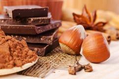 Cioccolato, spezie e dadi Fotografie Stock