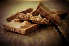 Cioccolato su una tavola di legno Fotografia Stock Libera da Diritti