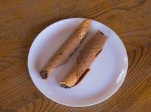 Cioccolato zuccherato della cialda del dessert nel ristorante georgiano del caffe immagini stock