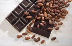 Cioccolatoe fave cacao Stock Afbeeldingen