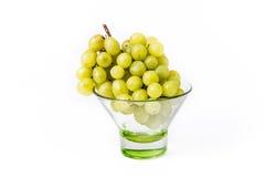 Ciotola con l'uva bianca Fotografie Stock